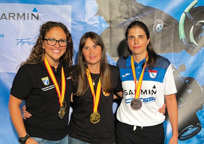 Irene Mestre, al mig, campiona d'Espanya