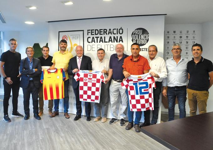 El president de l'FCF, Joan Soteras, va rebre la delegació del club maresmenc, encapçalada pel seu president, Jordi Sauleda, per conèixer el calendari d'activitats